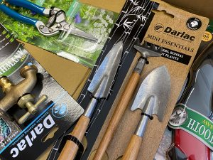 5 Perfect Gifts for Gardeners from Darlac Tools